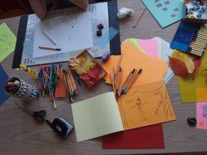 Arbeitstisch Lebensbuchgestaltung
